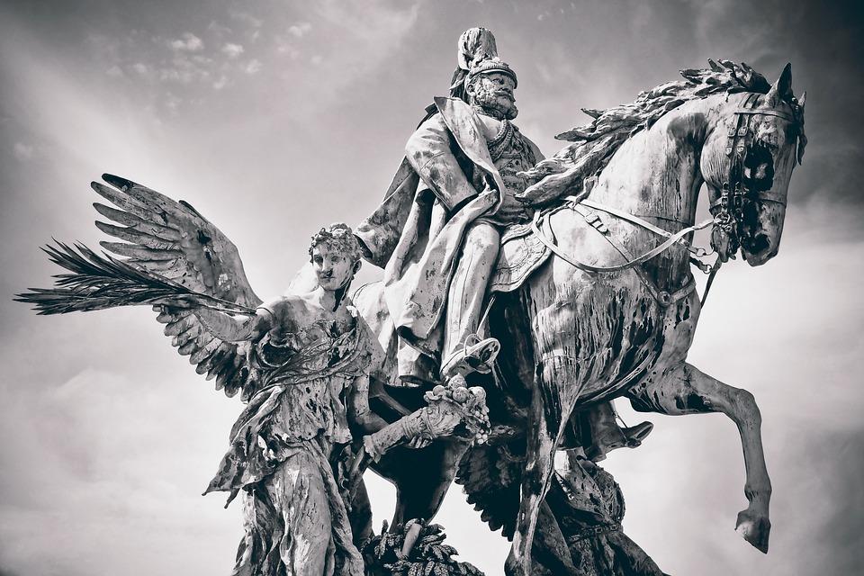 Historical War Roundups